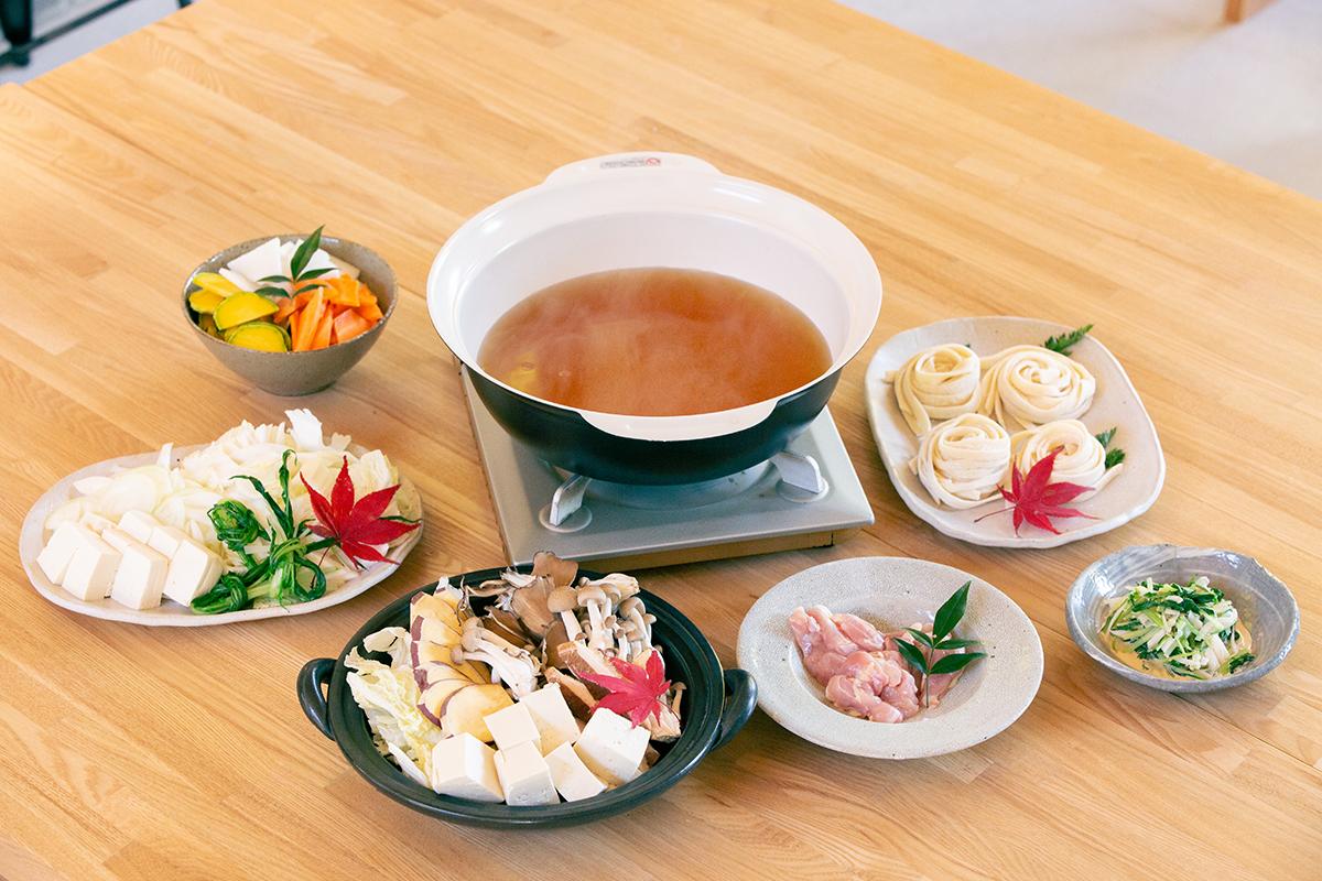 新鮮野菜と甲州地鶏が目一杯入ったあったかほうとう鍋コース